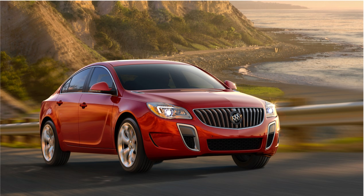 Image for offers featruing the 2018 Buick Regal mid-size luxury sedan.
