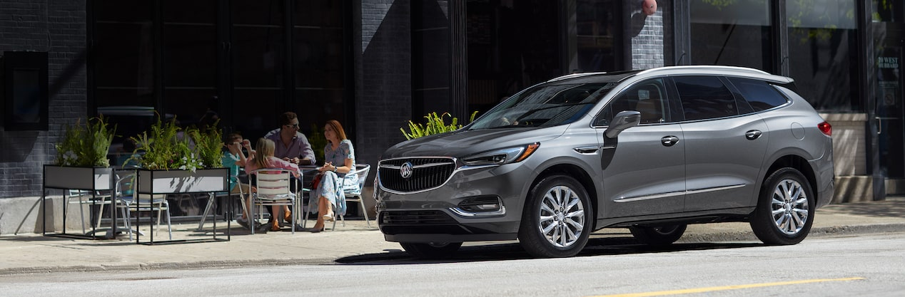 Masthead image of the 2018 Buick Enclave mid-size luxury SUV.