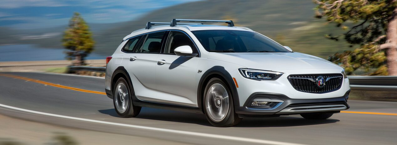 2019 Buick Regal TourX Front Side Exterior
