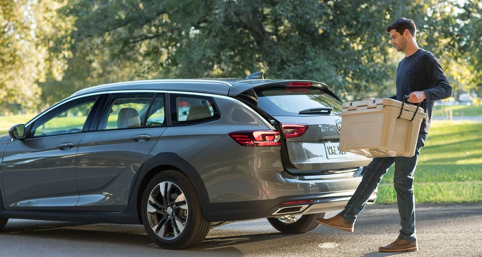 Buick Regal TourX Hands-Free Power Liftgate