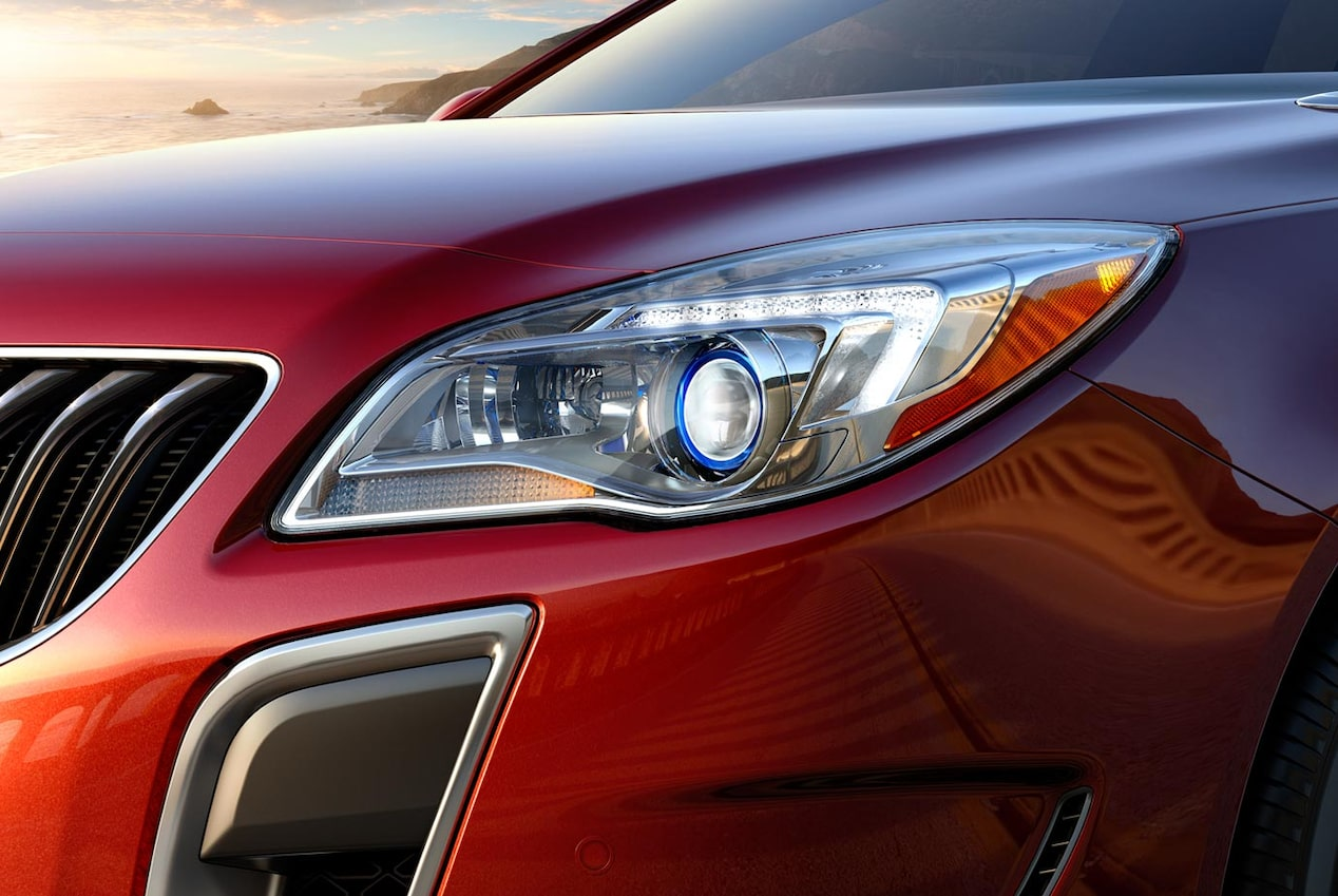 Closeup image of the stylish headlight featured on the 2017 Buick Regal mid-size luxury sedan.