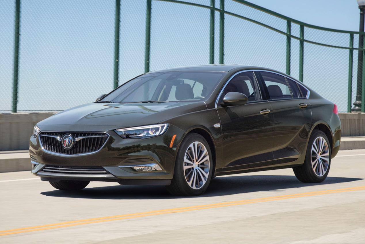 Image showing performance features of the 2018 Buick Regal Sportback mid-size luxury sedan.