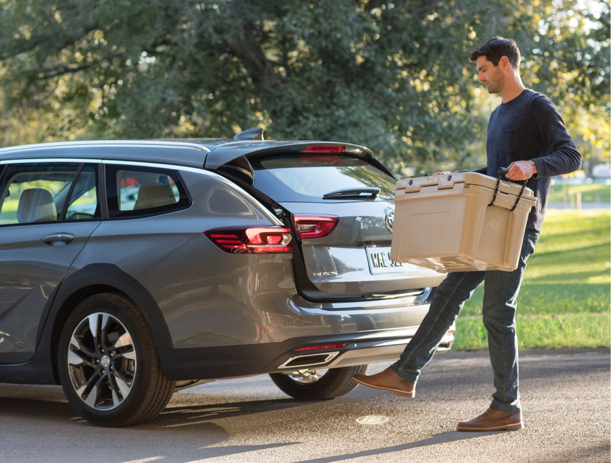Image showing exterior features of the 2018 Buick Regal TourX luxury wagon.