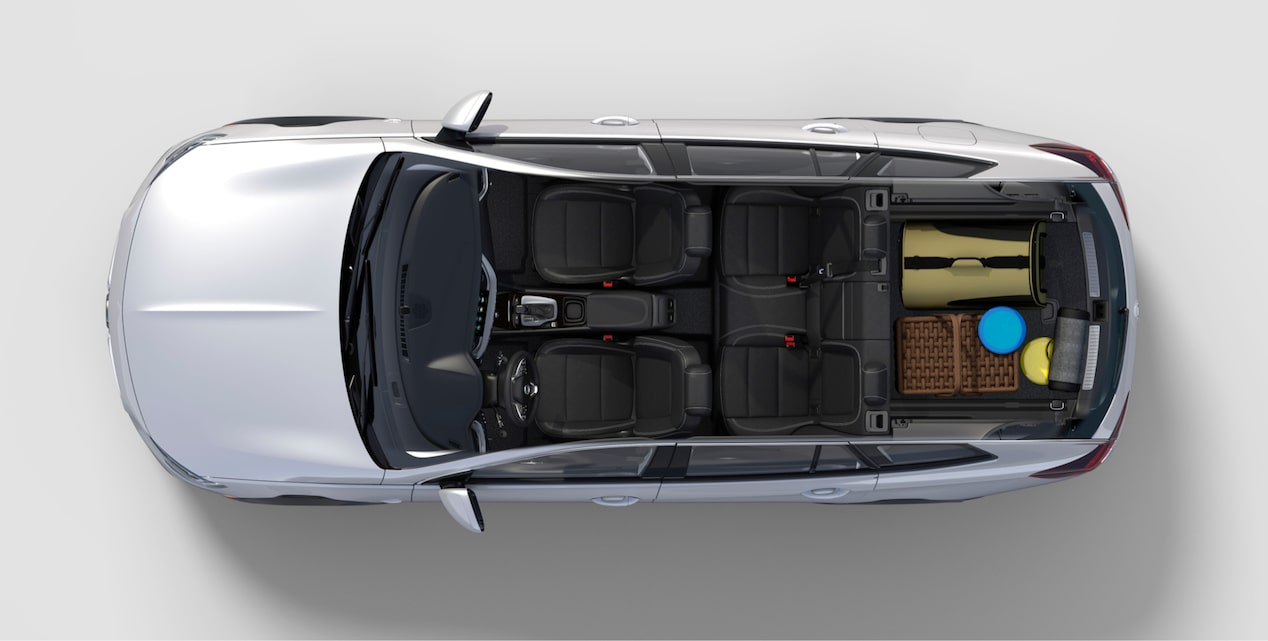 Image showing interior features of the 2018 Buick Regal TourX luxury wagon.
