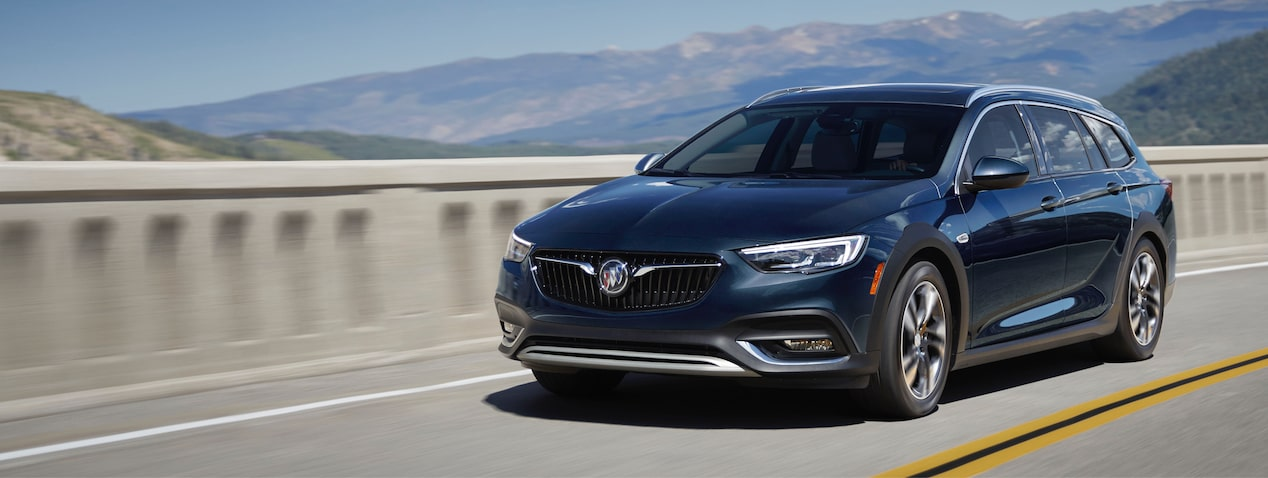 Masthead image for performance features of the 2018 Buick Regal TourX luxury wagon.