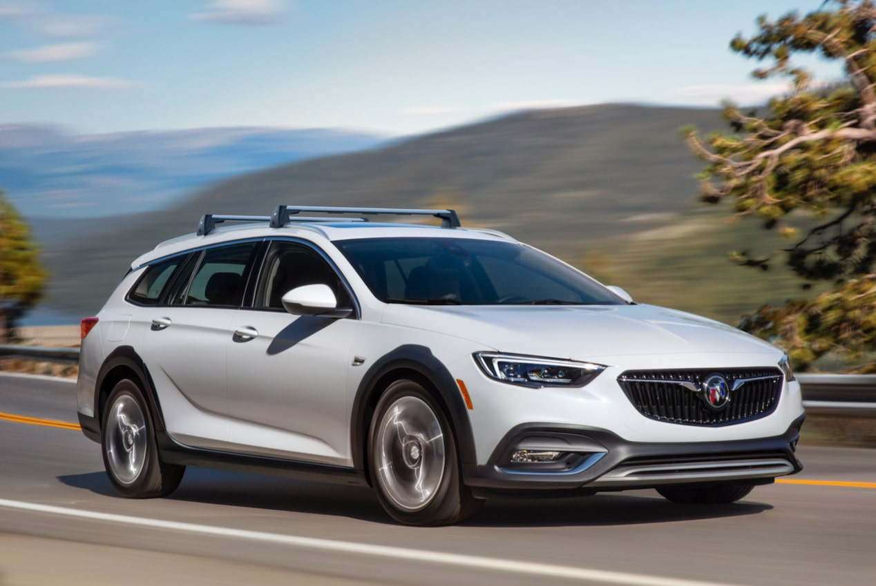 Image showing performance features of the 2018 Buick Regal TourX luxury wagon.