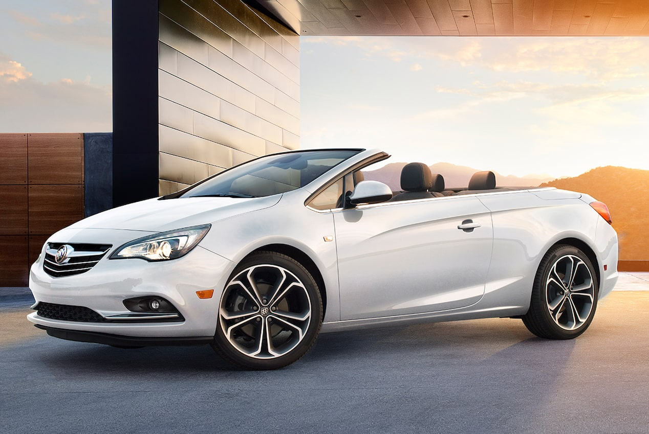 Image of the exterior of the 2018 Buick Cascada luxury convertible with a sunburst in the background.