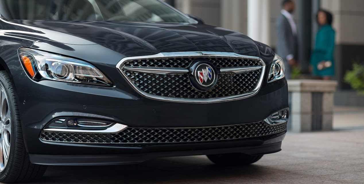 Access offers for the 2019 Buick LaCrosse Avenir full-size luxury sedan.