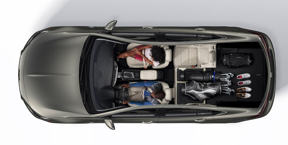 2019 Buick Regal Avenir Interior Seating and Cargo Space: Golf Clubs