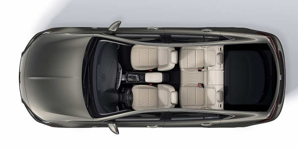 2019 Buick Regal Avenir Interior Seating and Cargo Space