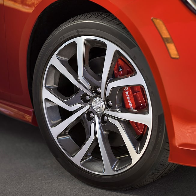 2019 Regal GS Luxury Sedan Wheel