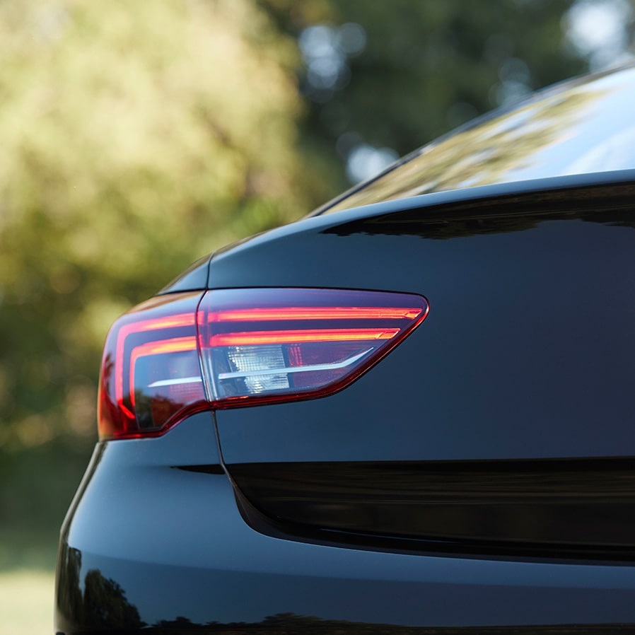 Exterior Features: 2019 Buick Regal Sportback Sedan