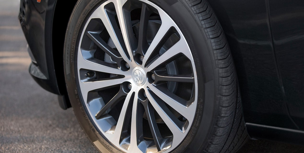 2019 Regal Sportback Mid-size Luxury Sedan Wheels
