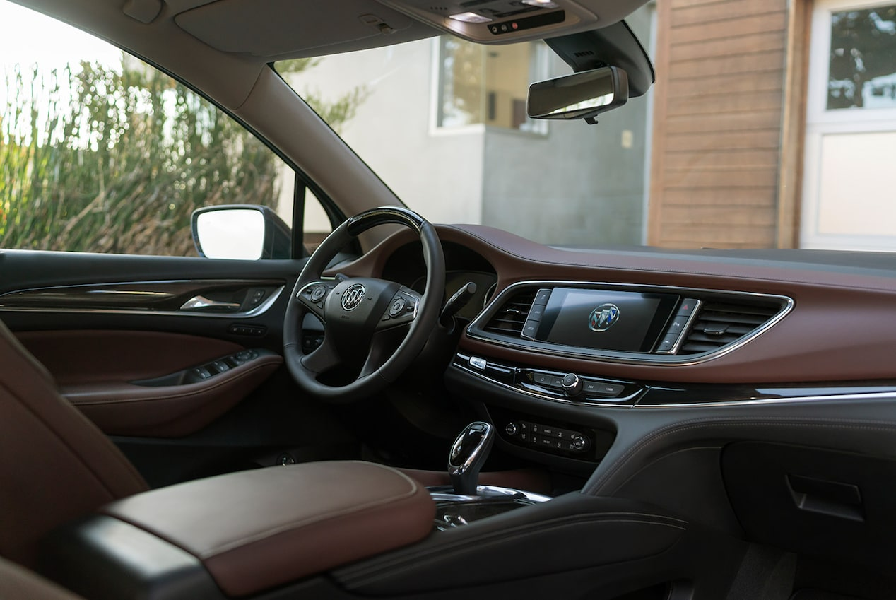Image showing key features of the 2019 Buick Enclave Avenir mid-size luxury SUV.