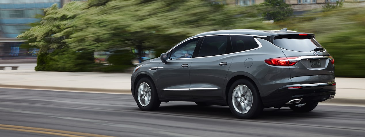 Masthead image for the performance features page showing the 2019 Buick Enclave mid-size SUV.