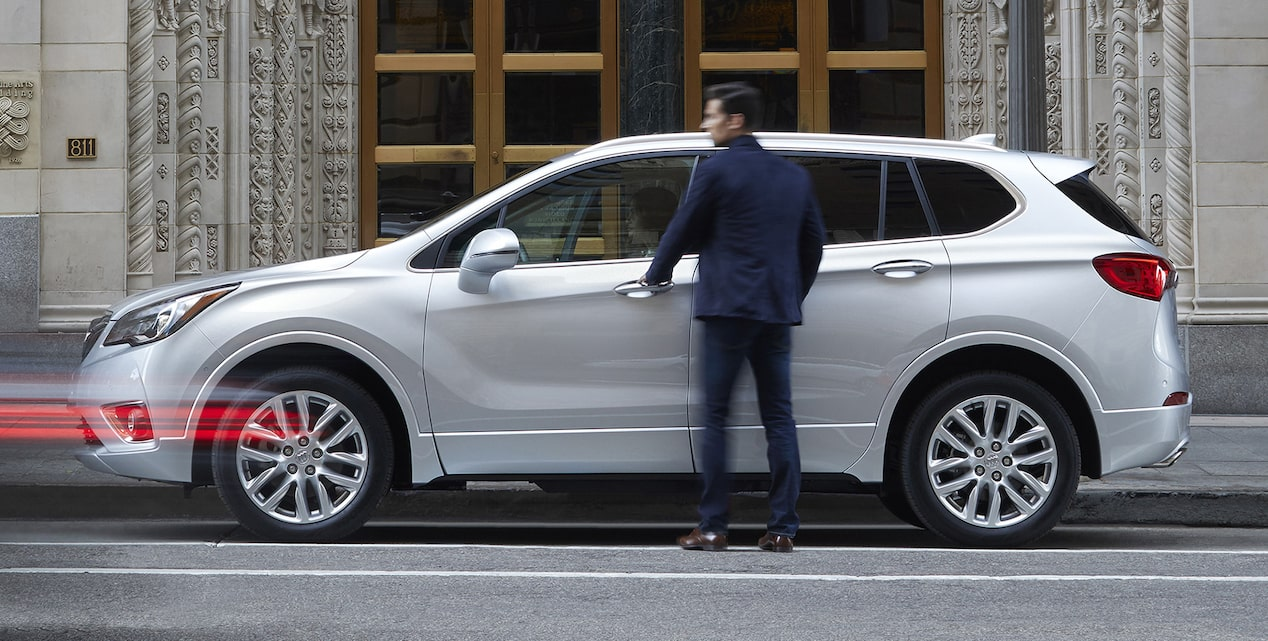 Offers image of the 2019 Buick Envision compact luxury SUV.