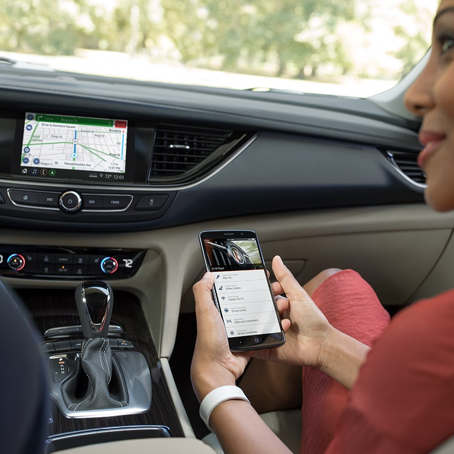 2019 Buick Regal TourX: myBuick App on smartphone
