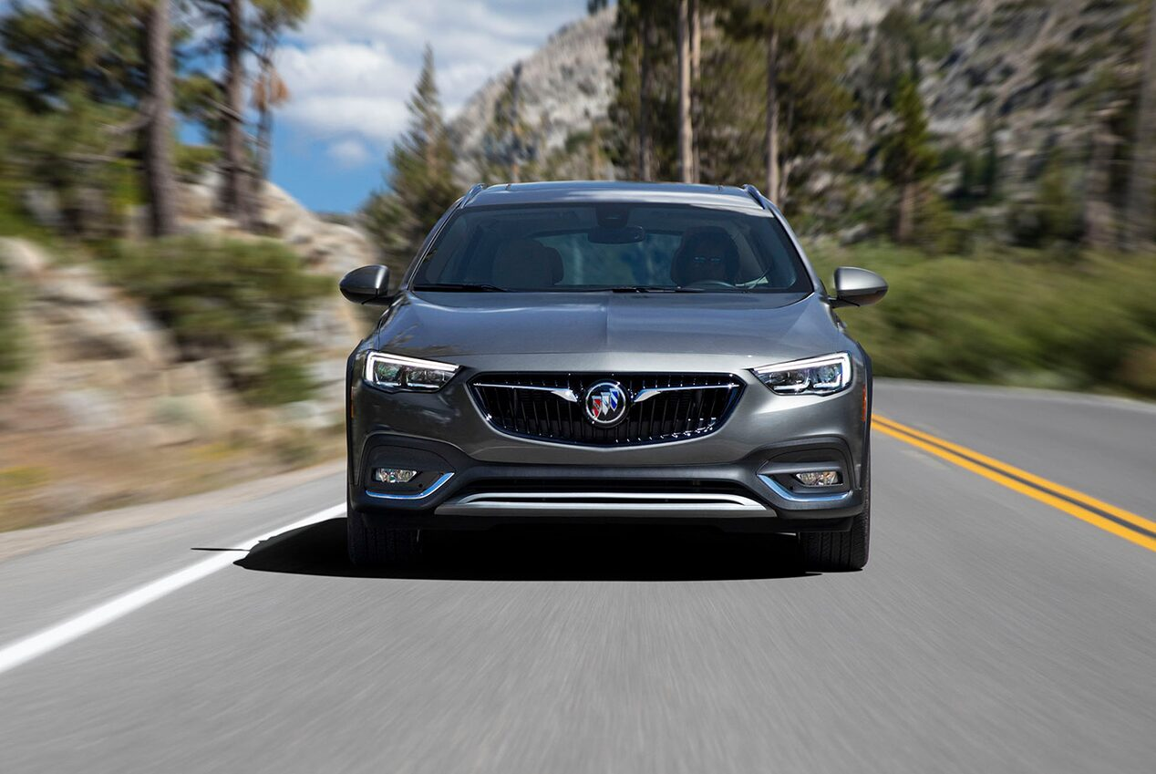 2019 Regal TourX Luxury Wagon Forward Collision Alert