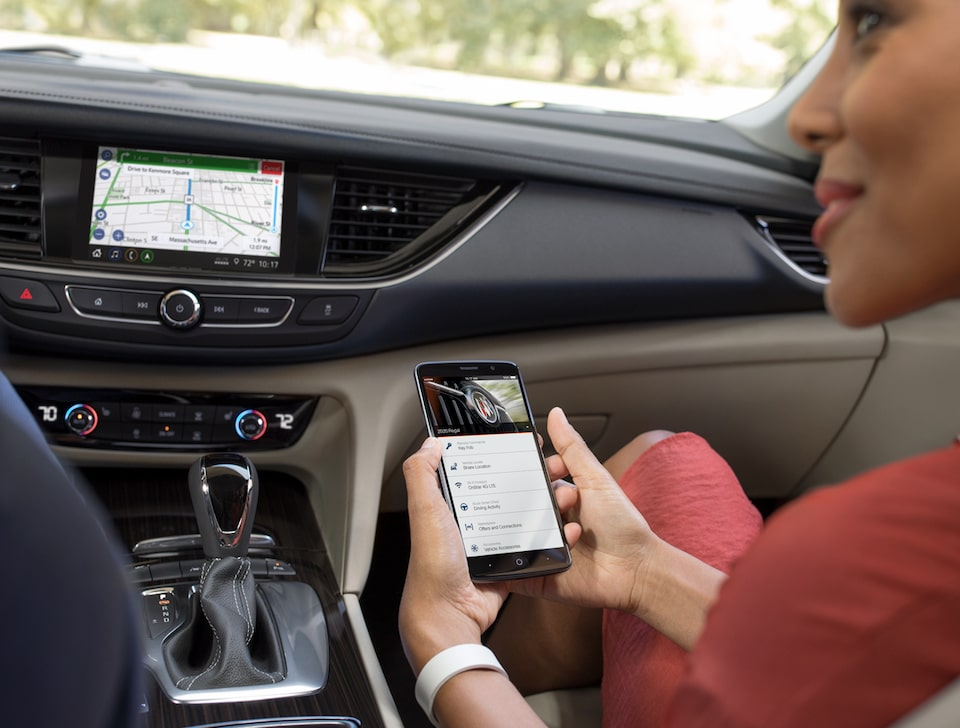 2020 Buick Regal Sportback: myBuick App on smartphone