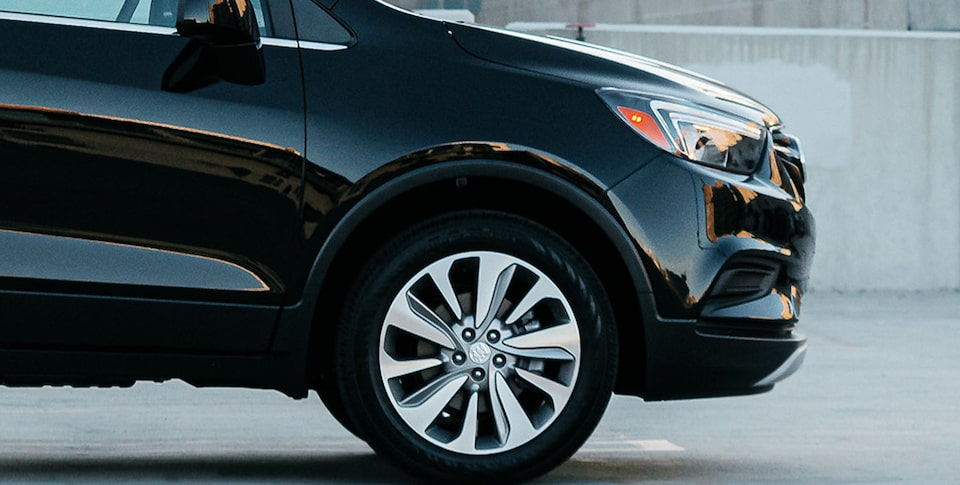 2020 Buick Encore 1SB Small SUV Exterior Medium View of Wheel