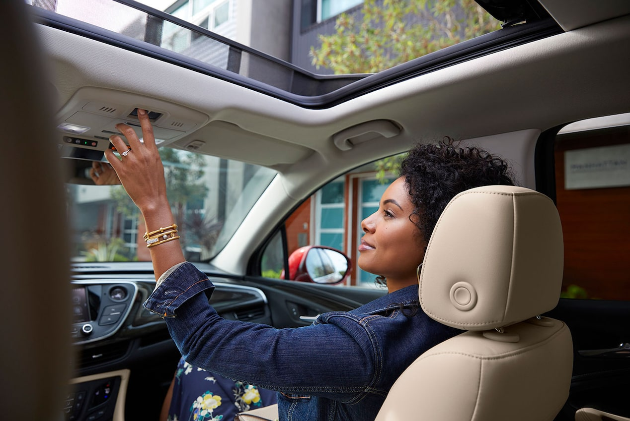 2020 Buick Envision Compact SUV Panoramic Moonroof