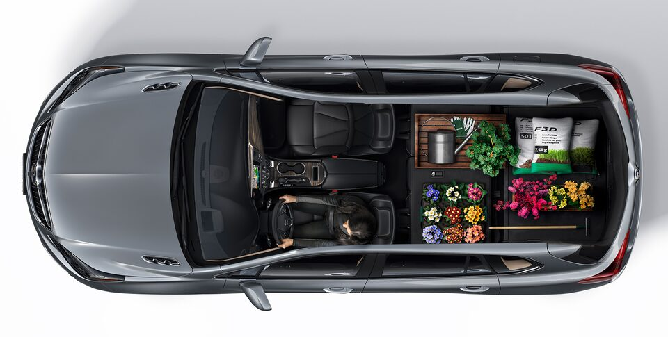 2020 Buick Envision Interior Seating and Cargo Space Aerial View: Home and Garden