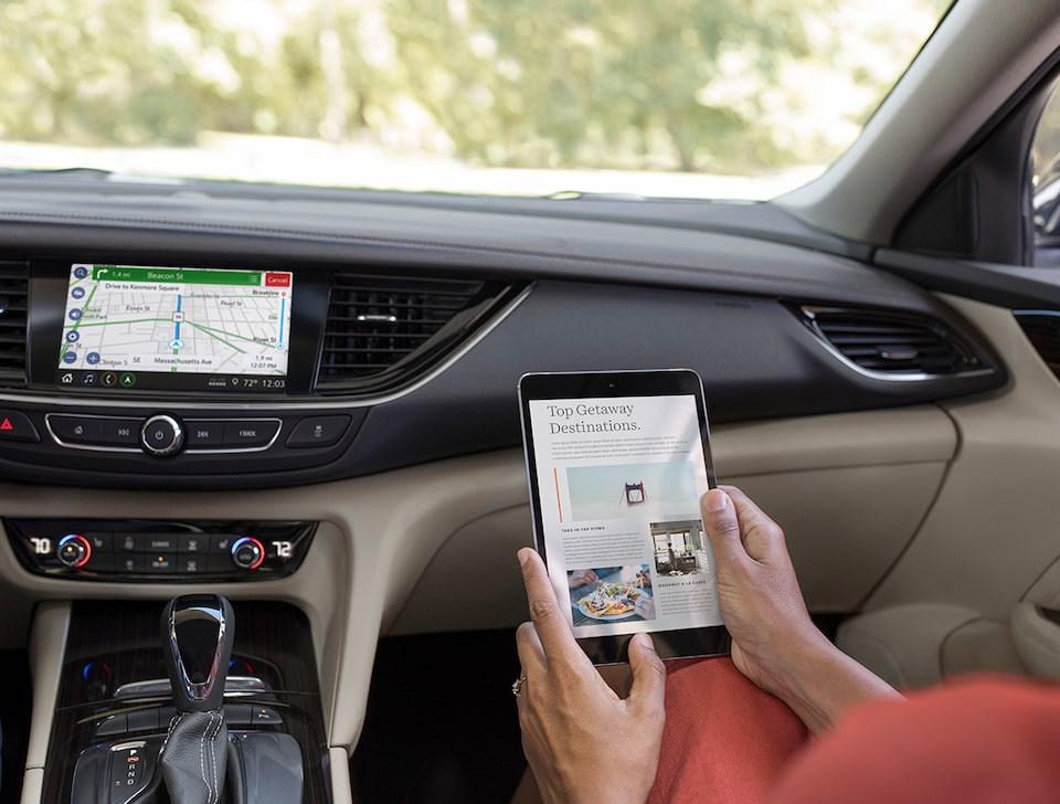 2020 Buick Regal TourX Luxury Wagon: Tablet using In-Vehicle WIFI