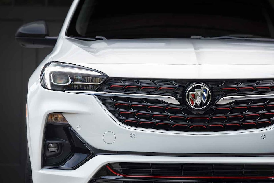 2021 Buick Encore GX ST Sporty SUV front grille close up